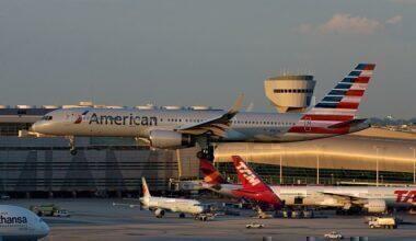 American_Airlines_Boeing_757-200