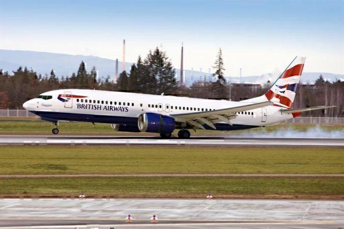 British Airways Comair Boeing 737 MAX 8 landing