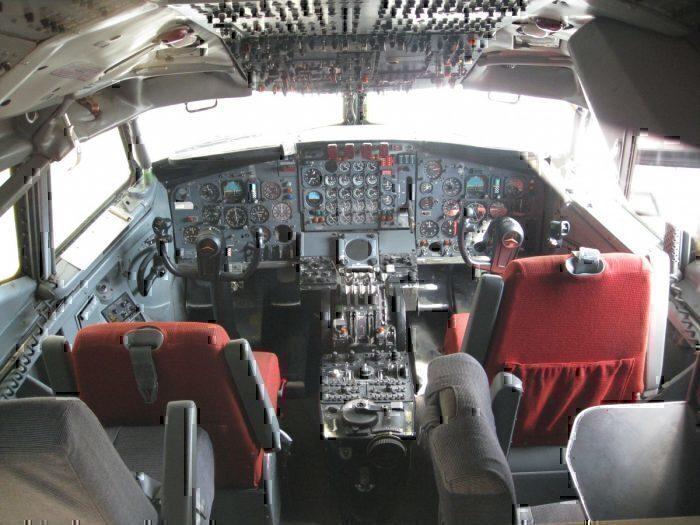 Cockpit-1959-707