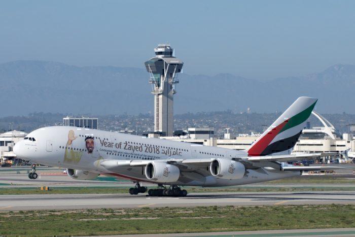 Emirates_Airbus_A380-800_A6-EEU_wikimedia