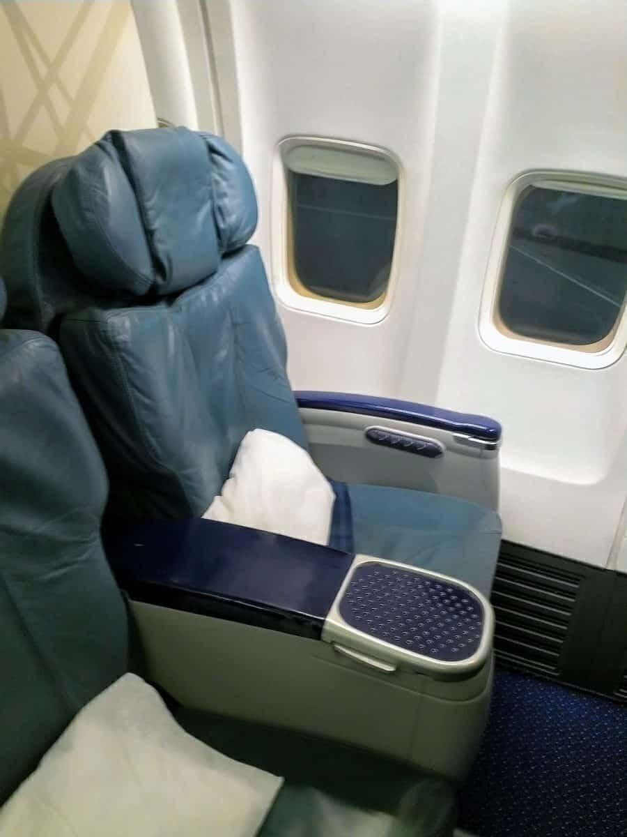 RAM 737-700 Business Class