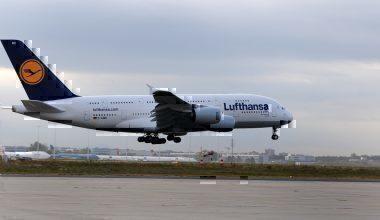 Lufthansa A380 landing