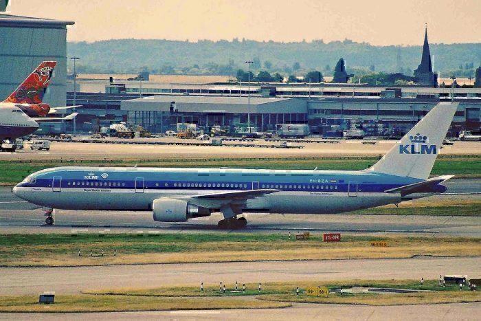 Boeing 767-306(ER) registration PH-BZA
