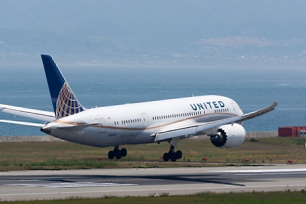 United Airlines B787-8 Dreamliner