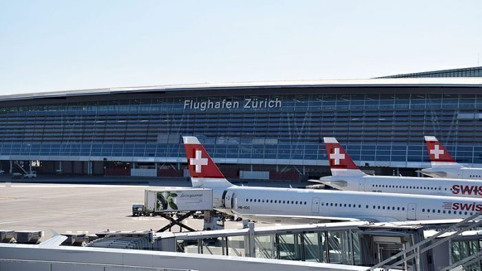 swiss-a321-lightning-strike