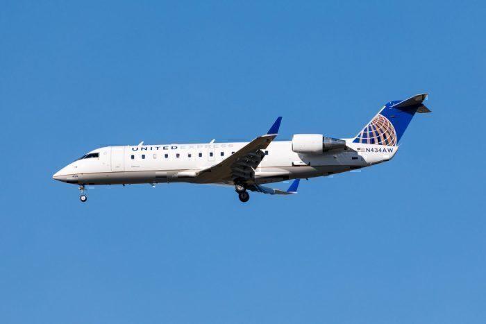 United Express CRJ200