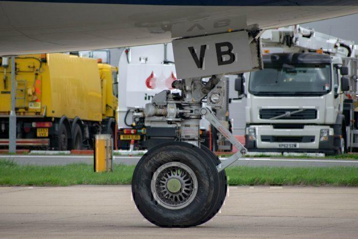 KLM, Boeing 747, Nose Gear Tire