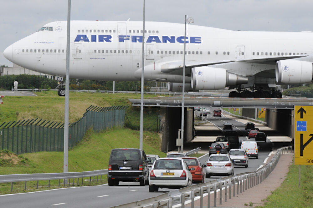 Air France 747 taxiing CDG