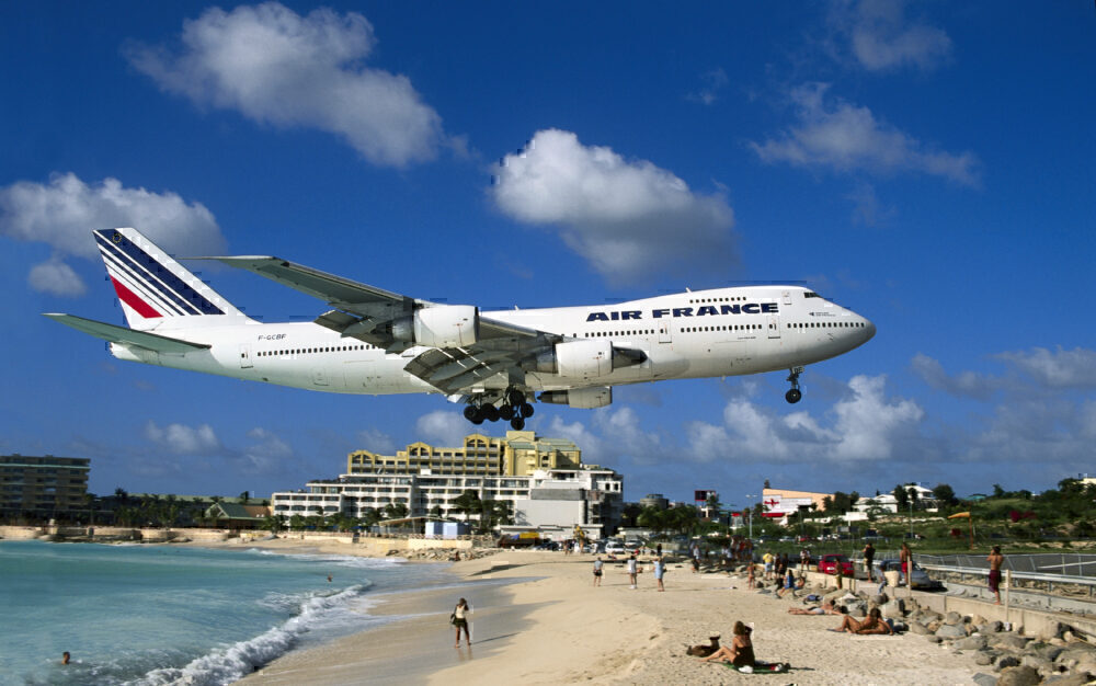 Air France 747 landing SXM