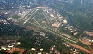 Greater_Rochester_International_Airport_May_2007_Aerial_View