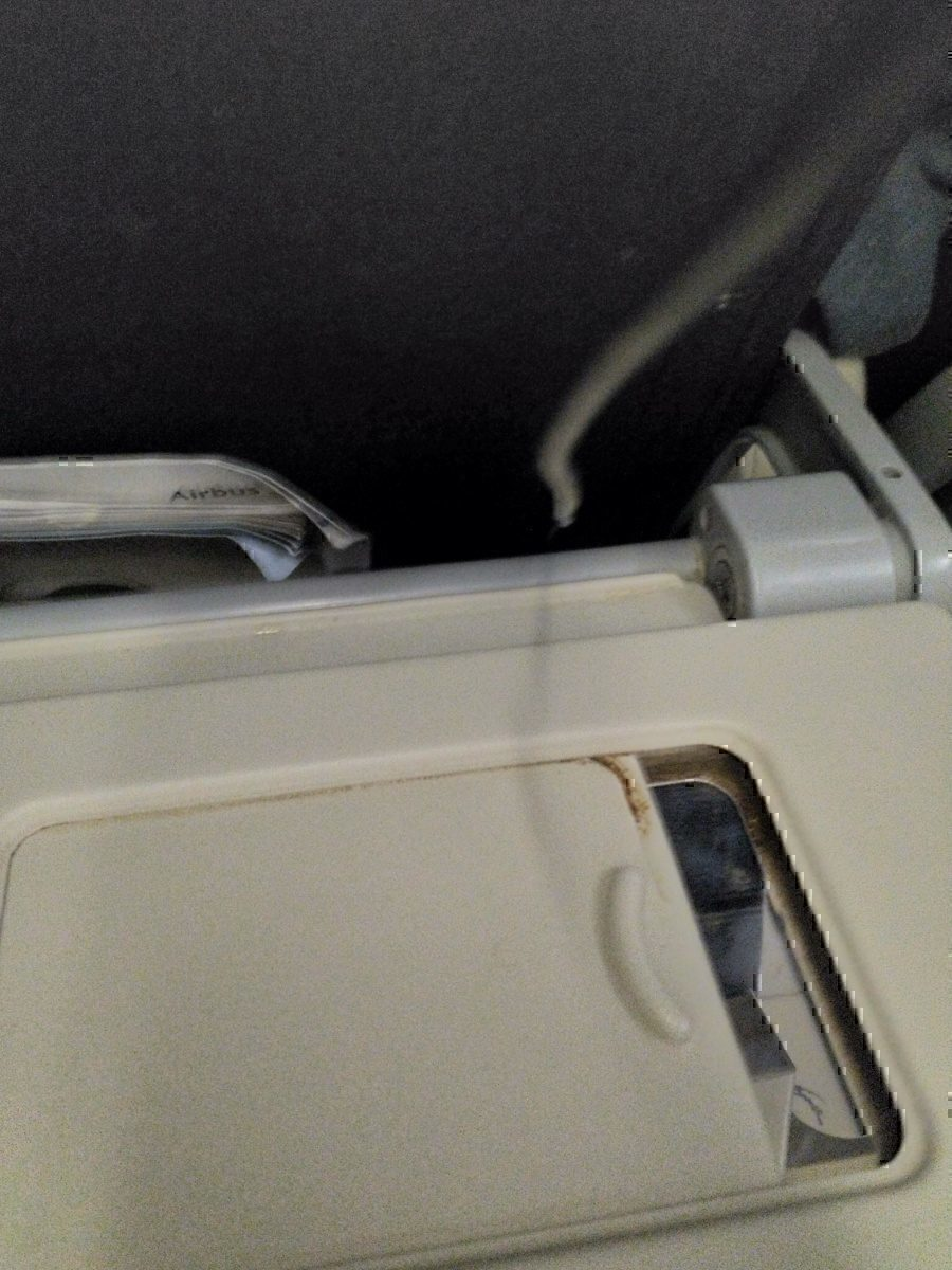 AC tray table miror