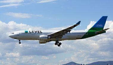LEVEL,_Airbus_A330-202,_EC-MOY_(35010932651)