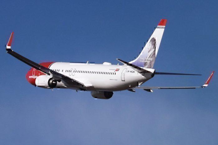 NAS 737-800