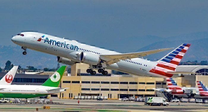 N828AA_American_Airlines_Boeing_787-9_Dreamliner_s-n_40698_(36269830574)