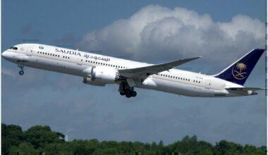 Saudi_Arabian_Airlines,_Boeing_787-9,_HZ-ARG_(34519085633)
