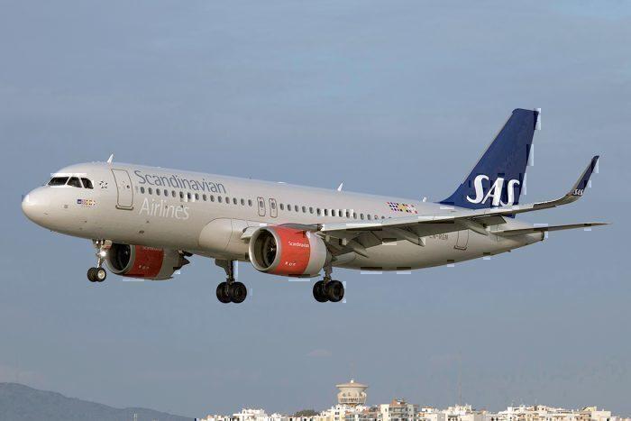 Scandinavian_Airlines_(SAS),_Airbus_A320-251N,_LN-RGN