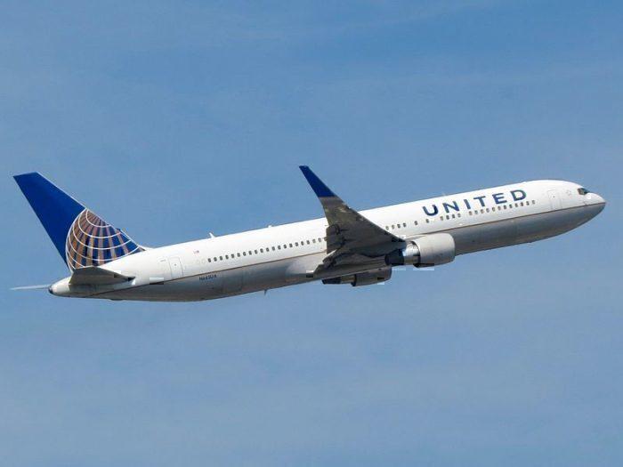 United 767-300ERE