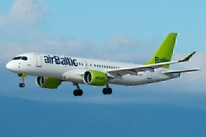 Air Baltic A220