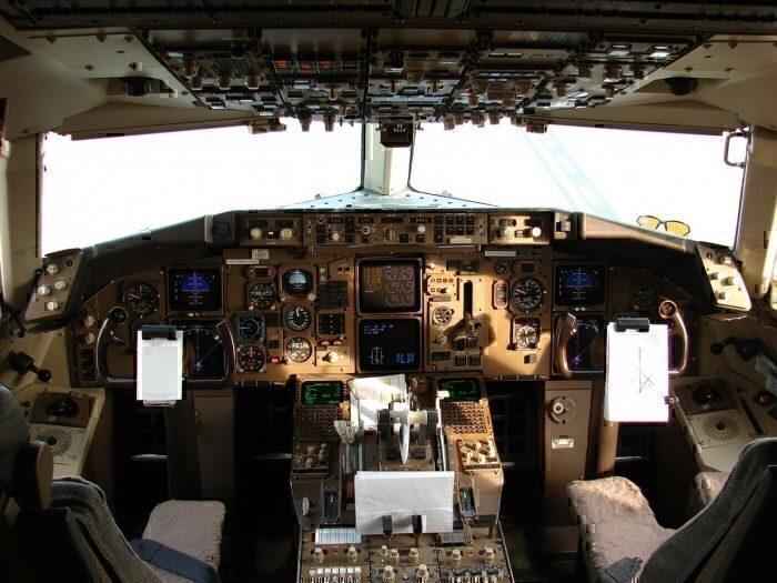 2 United Pilots Arrested in Glasgow Forcing Flight Cancelation