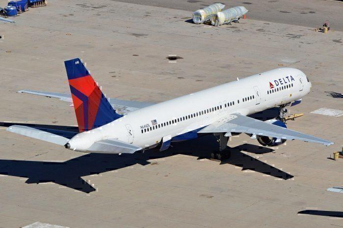 Delta B757-200 on apron