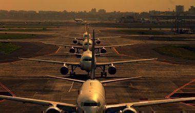 1024px-Mumbai_Airport_Takeoff_Queue