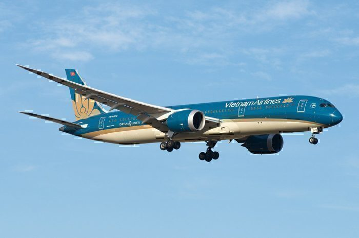 A Vietnam Airlines Boeing 787 Almost Landed Without It's Gear Down In Melbourne