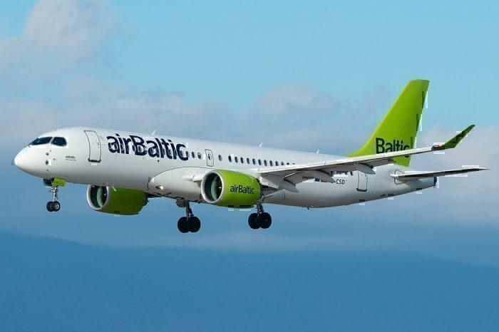 An Air Baltic A220