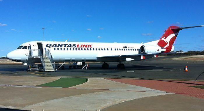 QantasLink F100