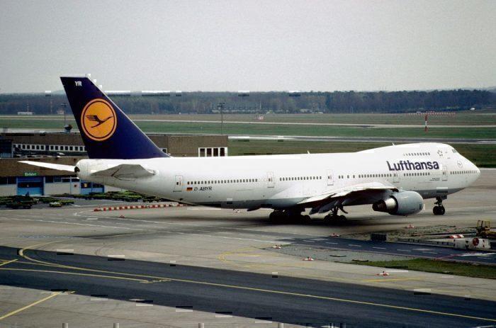 A Lufthansa Boeing 747