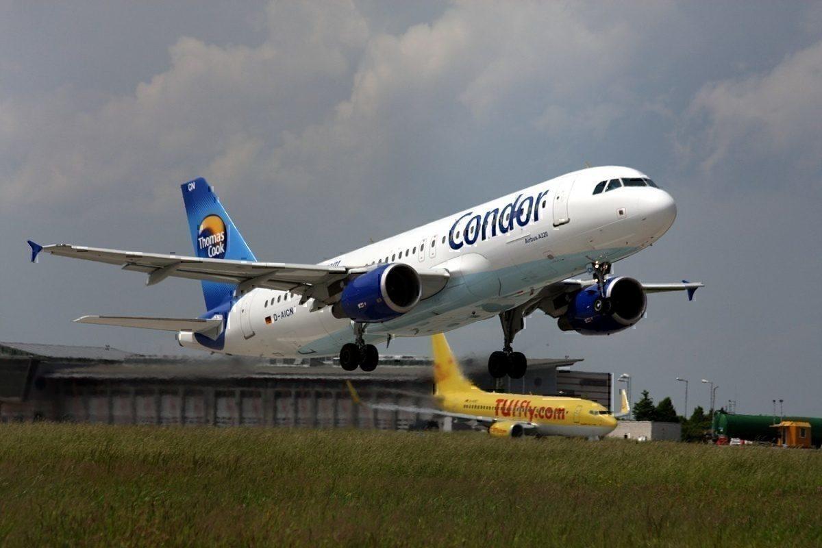 Airbus A320 (Condor) at Stuttgart