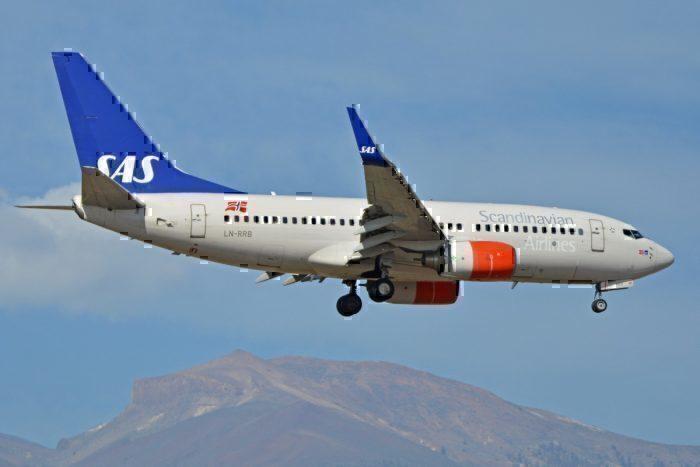 An SAS Boeing 737