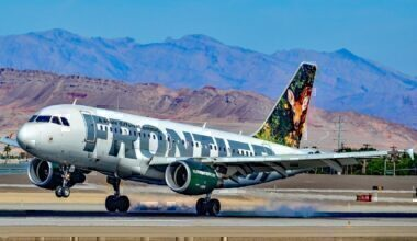 A Frontier Airlines Airbus A319
