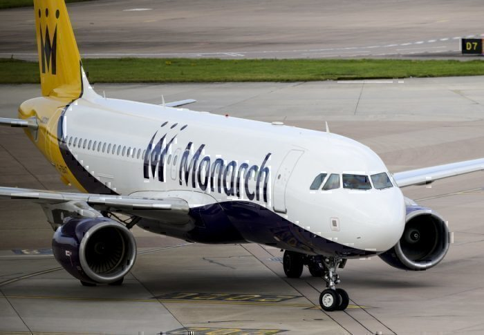 A Monarch Airlines Airbus A320
