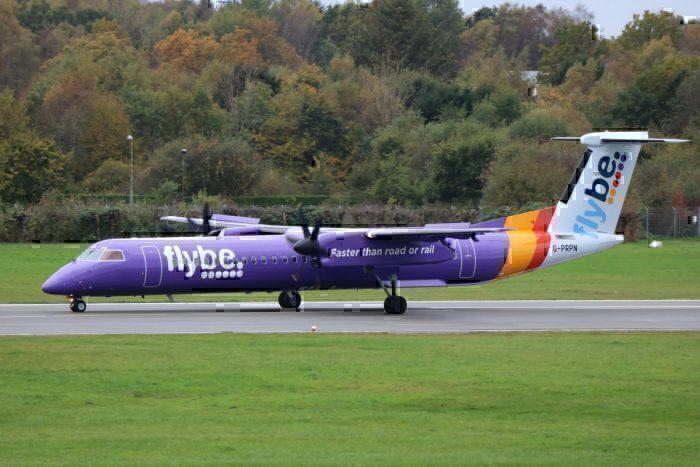 A Flybe Dash 8