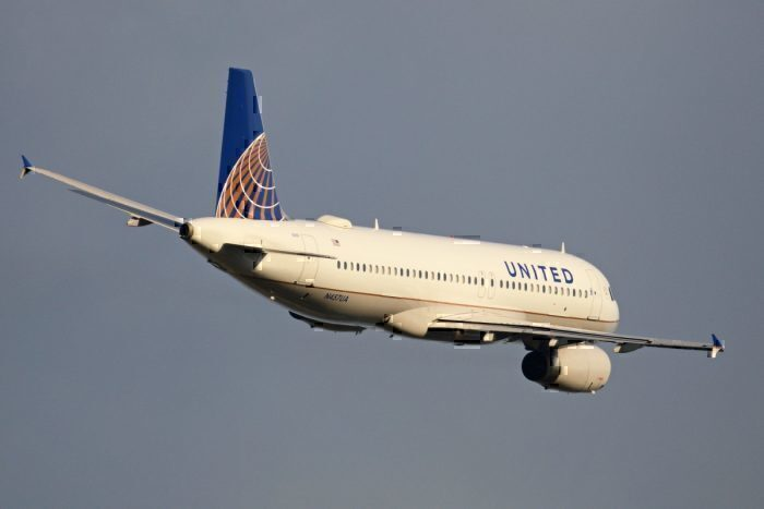 A United Airlines Airbus A320