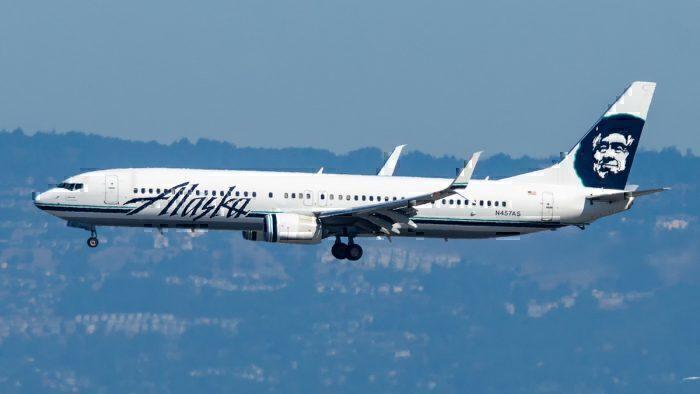 An Alaska Airlines Boeing 737