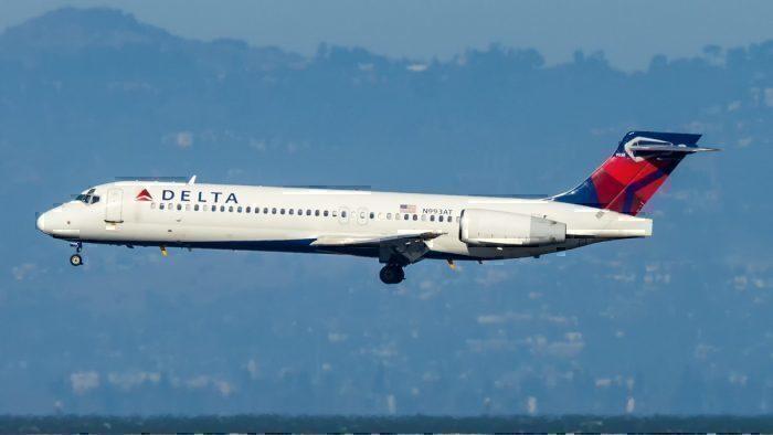 A Delta Air Lines Boeing 717-2BD