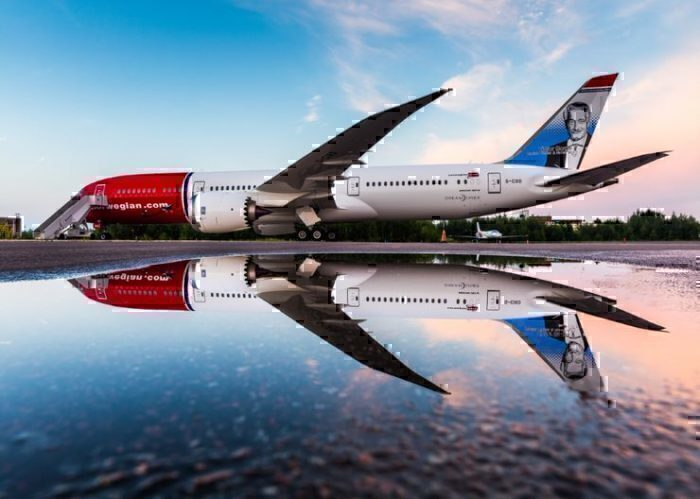 787 reflection