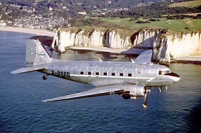 DC-3 Aigle Azur