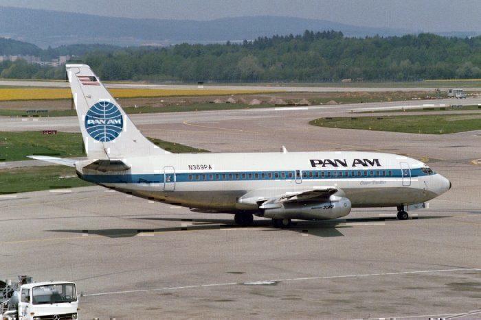 A Pan Am 737