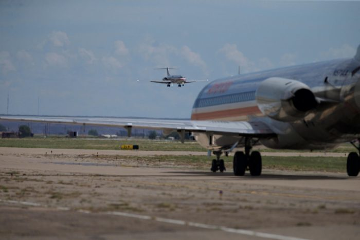 American Airlines Will Keep An MD-80 In Dallas For De-Icing