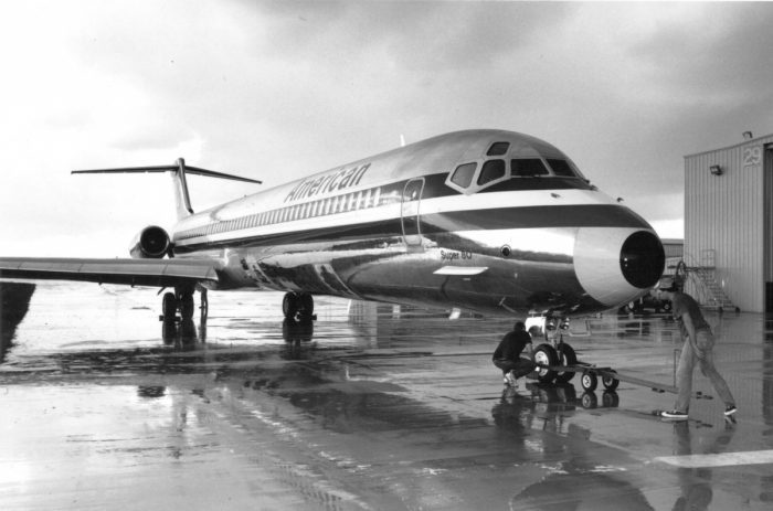 AA MD-80