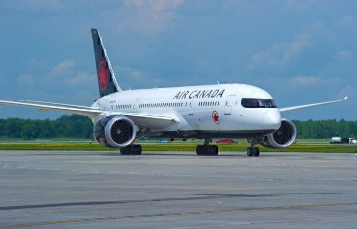 An Air Canada Boeing 787-8 Dreamliner