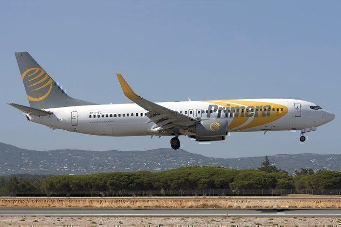Primera Air Boeing 737-86N