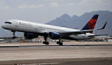 Delta Airlines, Boeing 757, Damaged Plane