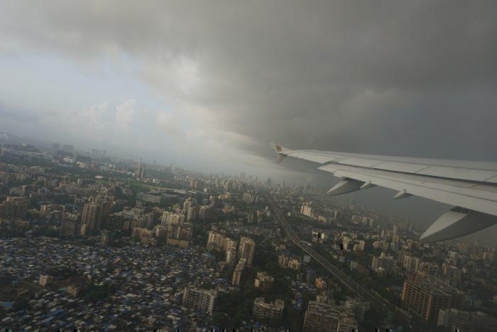 Gulf Air winglet over Mumbai