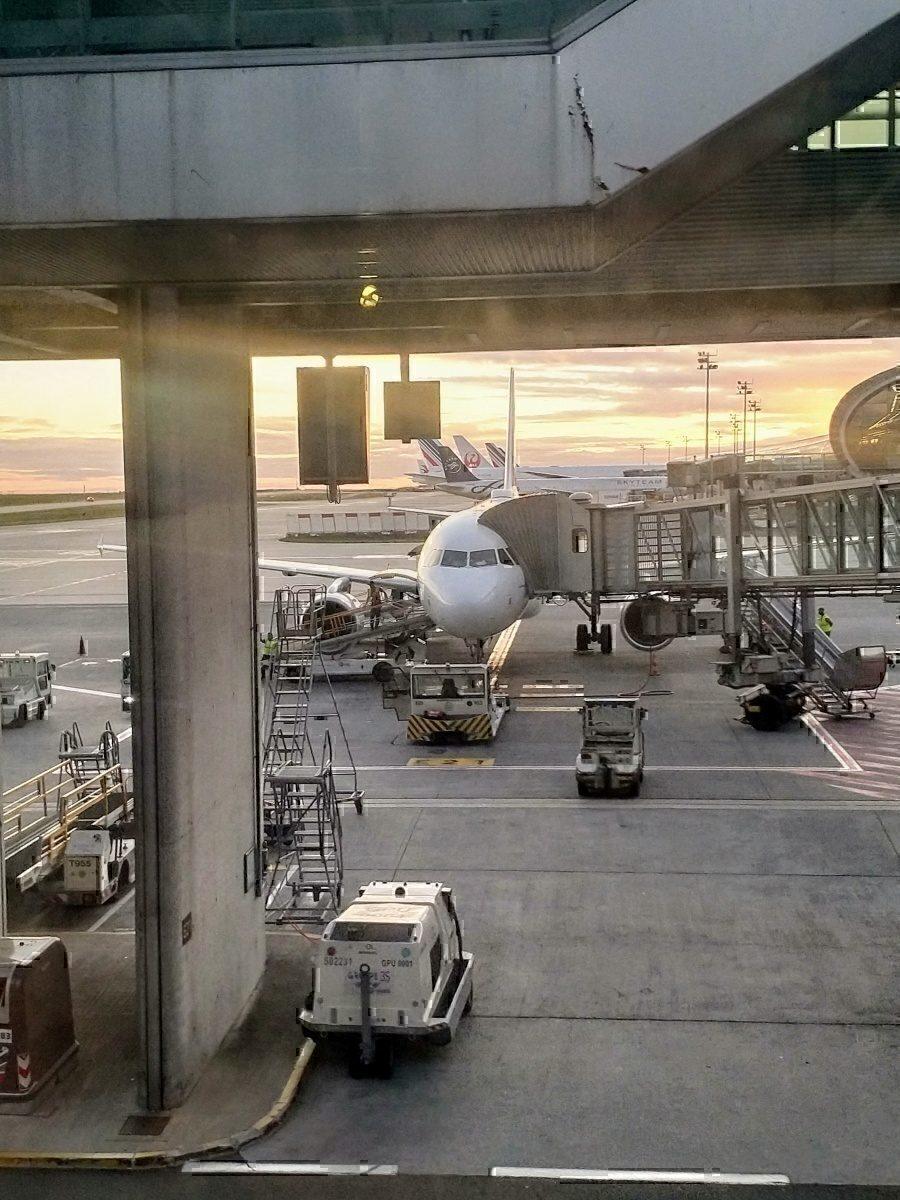 AF at CDG gate
