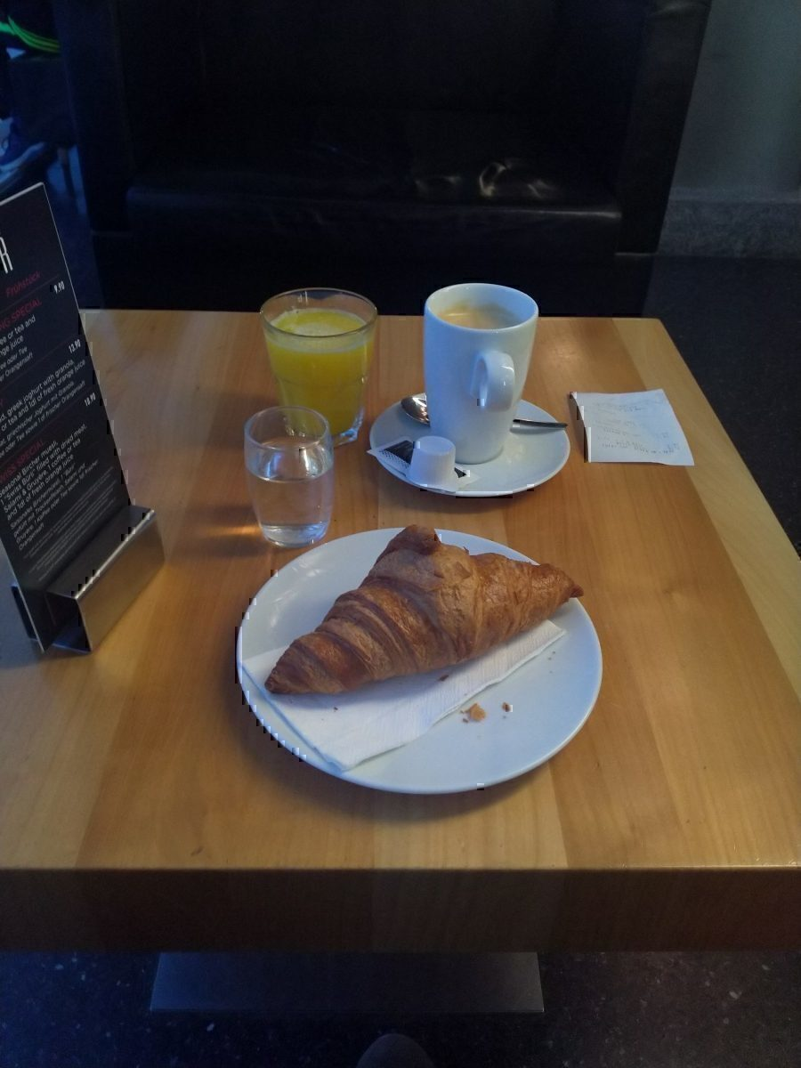 Center Bar Breakfast