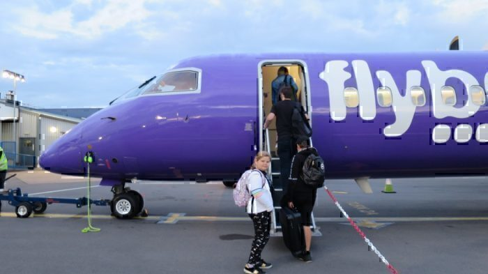 FlyBe 'at risk of collapse' as airline holds talks with government