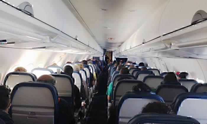 Delta 717 interior